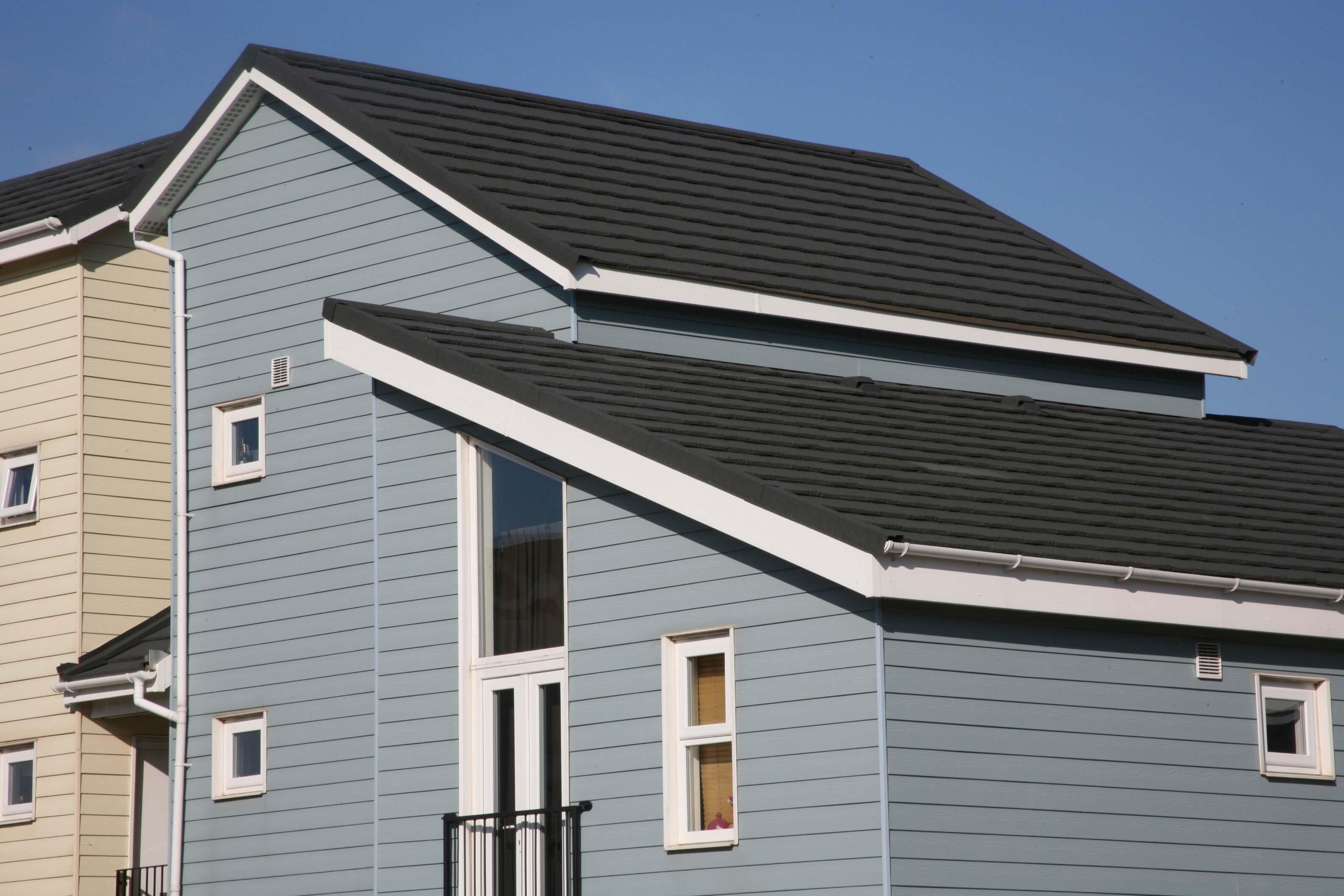 Metrotile Lightweight Roofing Slate in Charcoal on New Build Redrow Homes